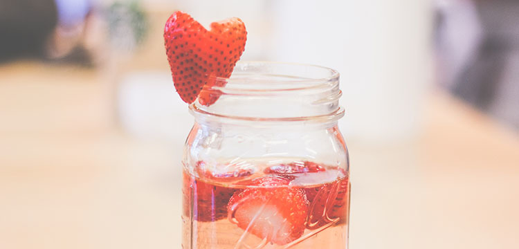 Article strawberry sangria 750x360