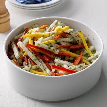 Thumb mango jicama salad exps sdjj17 200769 b02 16 6b 696x696