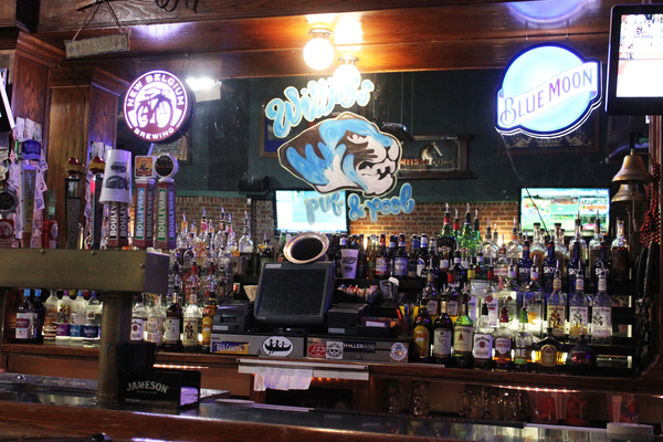 Full bar available at Willies