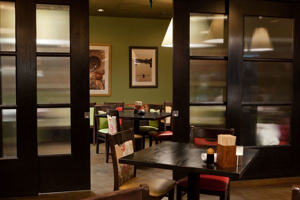 Jina Yoo's offers plenty of indoor seating and outdoor seating. Call today!