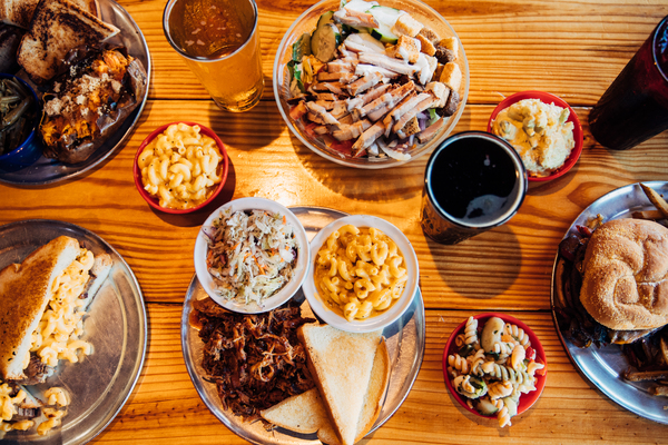 Full spread of Como Smoke and Fire's finest meats, sides and more in Columbia, Mo.