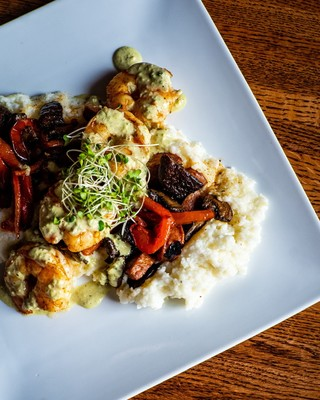 Offering American and creole dishes in Columbia, Mo, Glenn's Cafe offers delicious meals with a charming atmosphere.